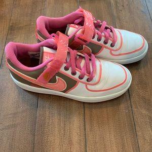 Women's Nike white & pink sneakers retro style